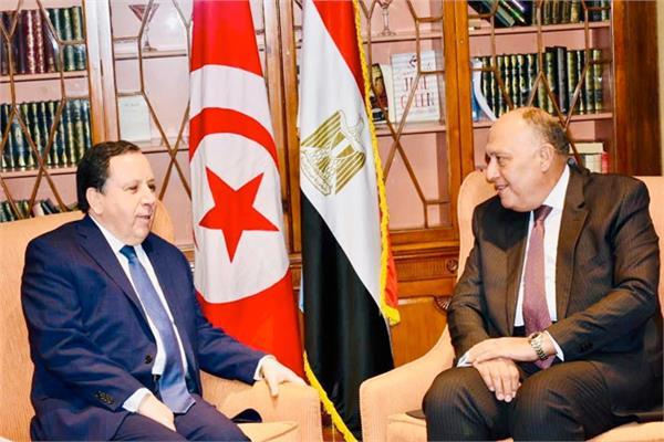 وزير الخارجية التونسي لـ«شكري»: قرارات الرئيس قيس فرضتها التحديات السياسية