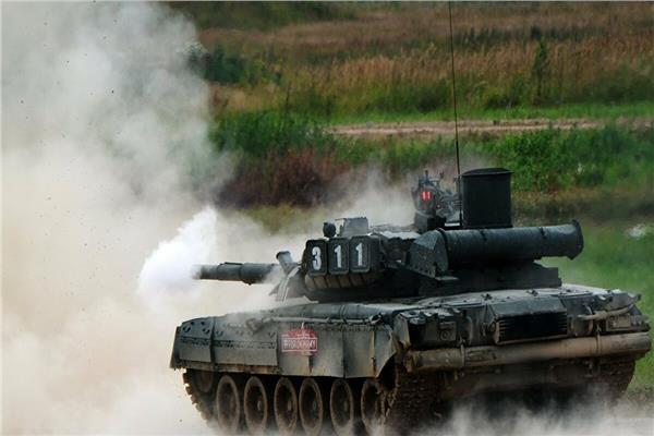 الجيش الروسي يتسلم دفعة جديدة من دبابات «تي – 80 بي في إم»