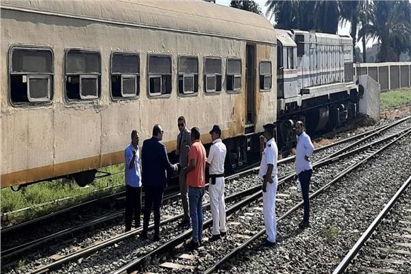 النيابة العامة تنتقل لمعاينة حادث قطار نجع حمادي