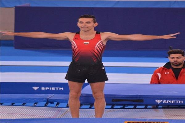 لاعب الجمباز سيف آسر شريف