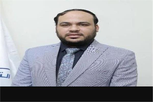 الدكتور علي حطب وكيل وزاره الصحة بمحافظة الإسماعيلية