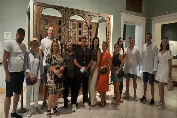 اقبال السائحين علي متحف الإسكندرية القومي