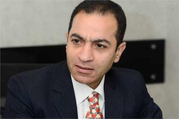 الدكتور هشام إبراهيم أستاذ التمويل والاستثمار بجامعة القاهرة
