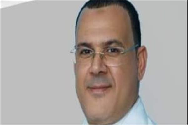 الدكتور إسماعيل الحفناوي وكيل وزارة الصحة في السويس