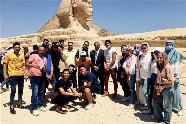 رحلة توعية سياحية للطلاب المتفوقين دراسياً