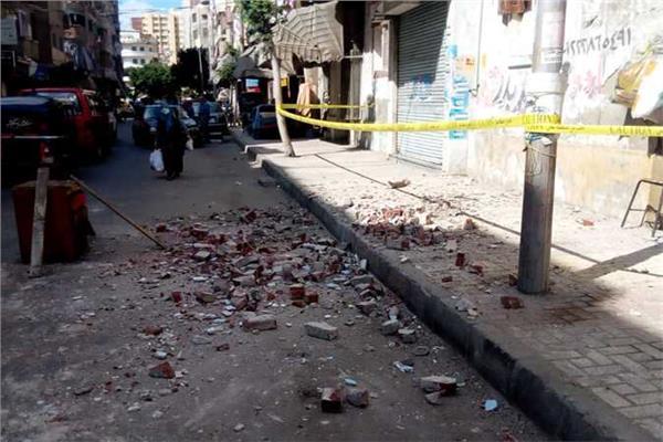 انهيار جزء خرسانى من عقار بالعامرية غرب الاسكندرية