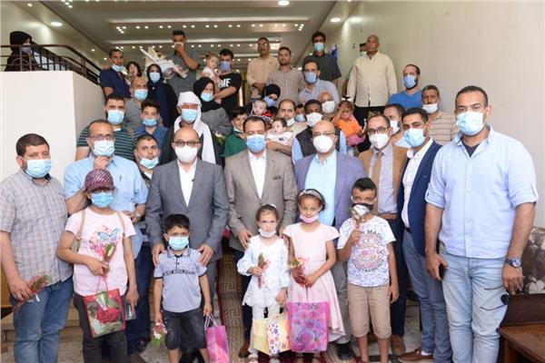 عودة الابتسامة لـ٣٠ طفلاً ليبياً بعد نجاح عمليات الشفة الارنبية وشق الحلق بجامعة أسيوط