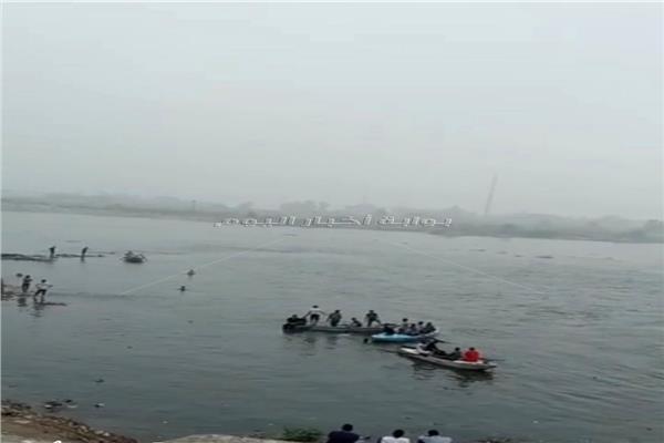استمرار أعمال البحث عن ضحايا حادث غرق مركب الصيد بدهتوره بزفت
