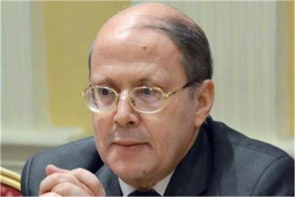 الكاتب الدكتور عبد الحليم قنديل