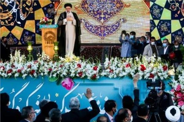خامنئي ينصب ابراهيم رئيسي رئيسا لإيران
