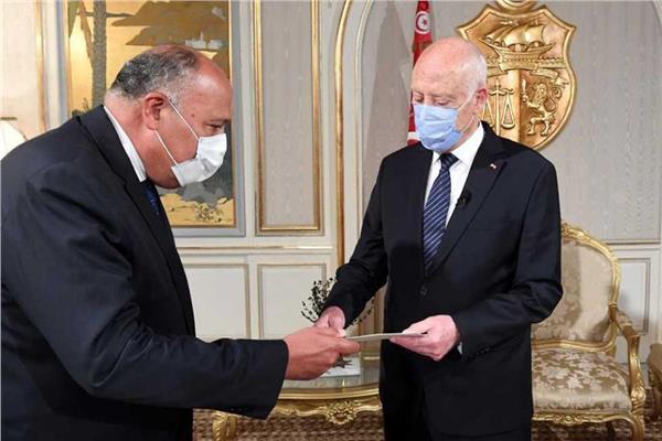 الرئيس التونسي قيس سعيد ووزير الخارجية سامح شكري