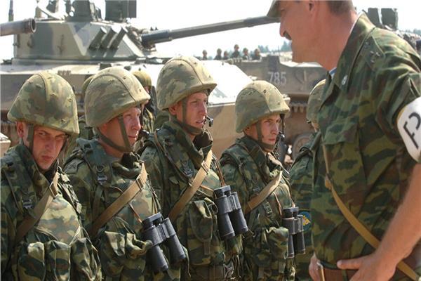 وحدات عسكرية روسية وهندية تنفذ تدريبا باستخدام طائرات ومدفعية ودبابات جنوب روسيا
