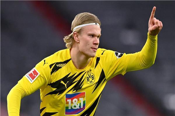 المهاجم النرويجي هالاند يتألق مع دورتموند في الدوري الألماني