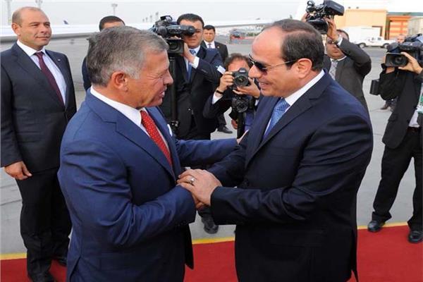 الرئيس السيسي يستقبل العاهل الأردني بمطار القاهرة.. فيديو
