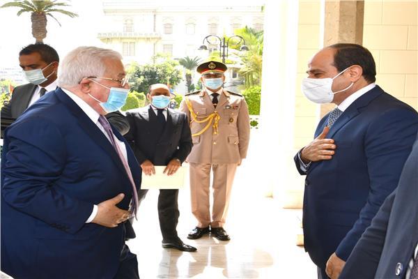 جلسة مباحثات ثنائية بين الرئيس السيسي وأبو مازن في الاتحادية