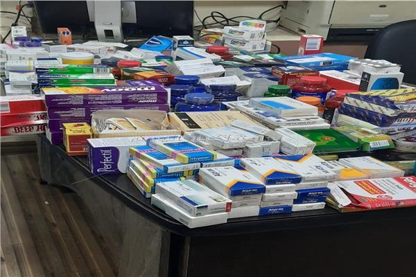أدوية مخدرة داخل صيدلية شهيرة بعين شمس