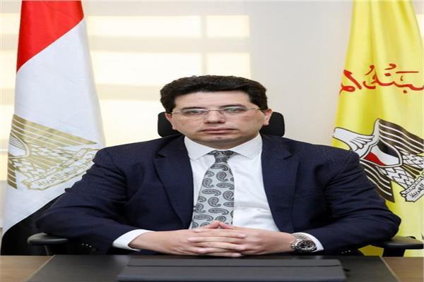 المهندس إيهاب نصروكيل المحافظ المساعد لقطاع العمليات المصرفية بالبنك المركزي