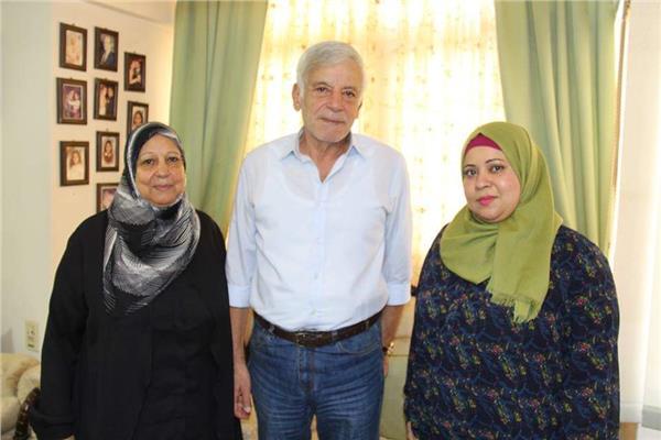 """عائلته الكاتب الساخر """" أحمد رجب """""""