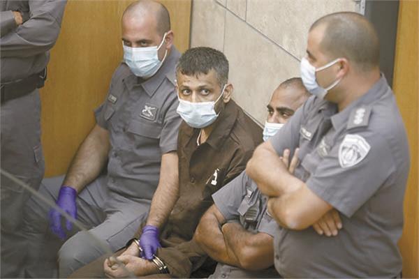 الأسير محمد عارضة خلال جلسة في محكمة إسرائيلية