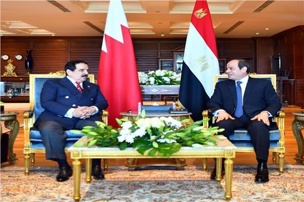 جانب من اجتماع الرئيس عبد الفتاح السيسي مع ملك البحرين