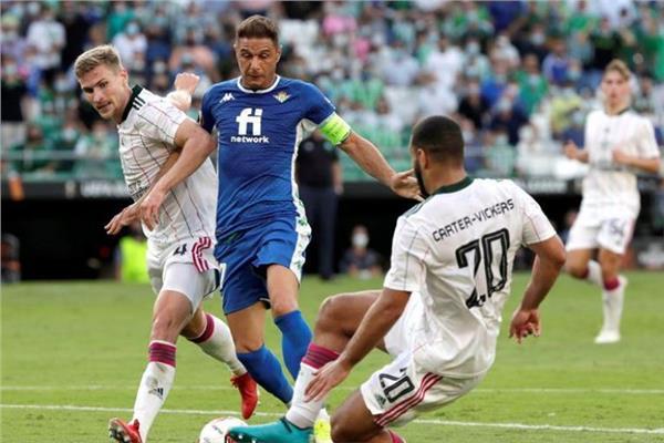 صورة من مباراة ريال بيتيس الإسباني وسيلتك الأسكتلندي