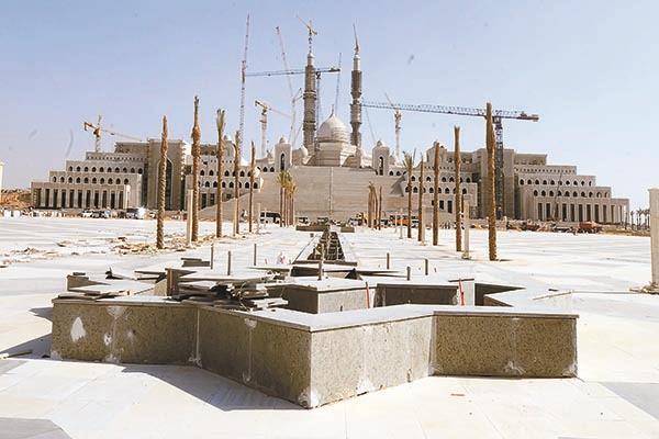 مسجد مصر يسع لـ107 آلاف مصل