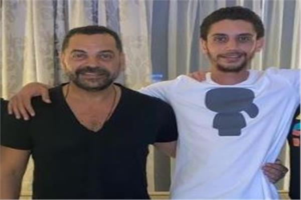 طارق العريان وابنه عمر