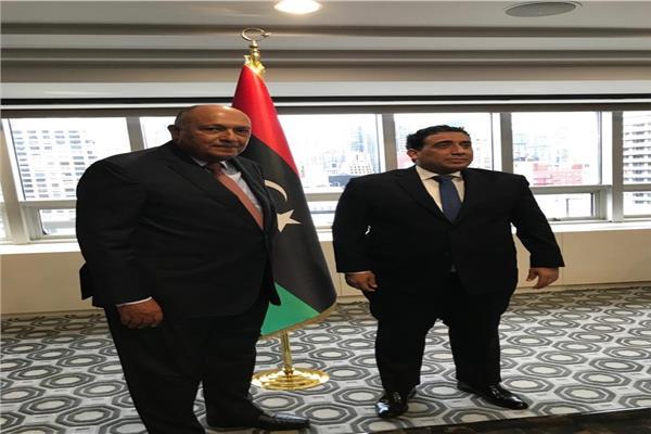سامح شكري وزير الخارجية خلال لقاءه برئيس المجلس الرئاسي الليبي