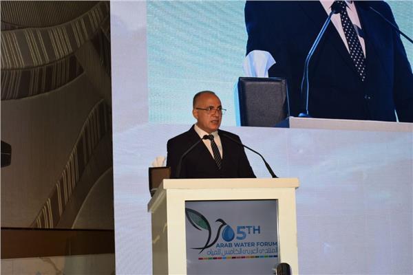 الدكتور محمد عبد العاطى وزير الموارد والري