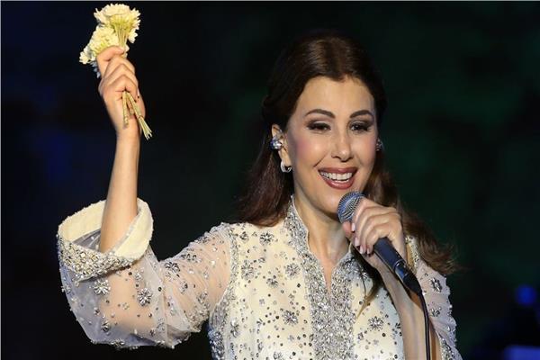 وزير الثقافة الأردني ومهرجان جرش يكرمان ماجدة الرومي | فيديو
