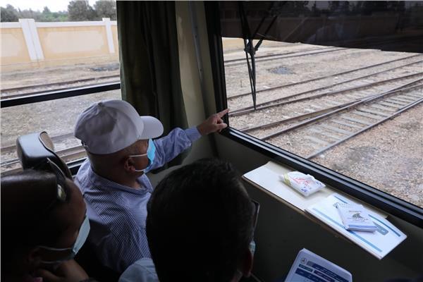 وزير النقل يتفقد مشروع القطار الكهربائي السريع السخنة