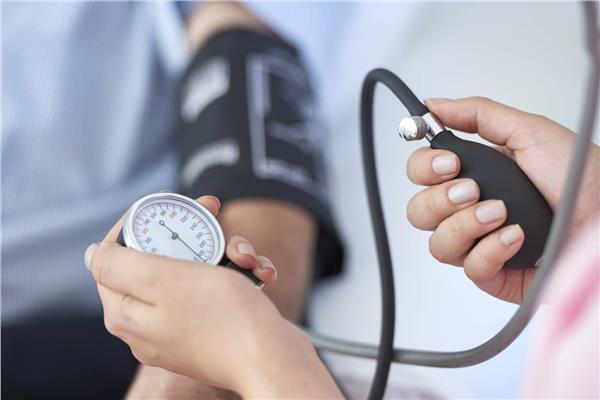 ضيق التنفس ..علامات تدل على ارتفاع ضغط الدم