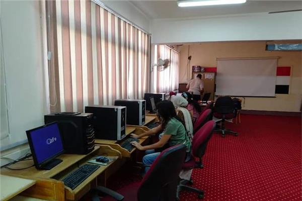 معامل التنسيق الالكتروني بجامعة الاقصر تستقبل طلاب المرحلة الثالثة (دور ثاني)