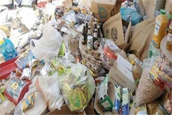ضبط 15 طن مواد غذائية مجهولة المصدر بالقاهرة