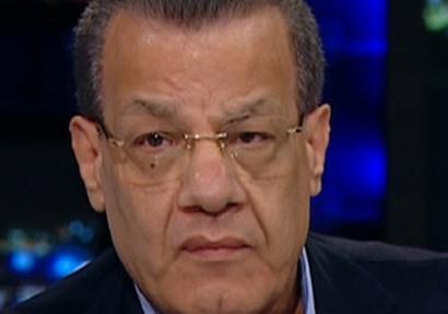 عادل حمودة يكتب: الوثائق السرية الحائرة بين مذكرات الوزراء وبيعها لأجهزة مخابرات معادية !