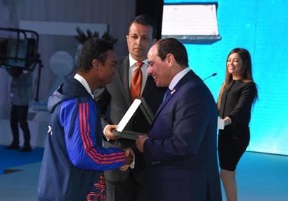 الرئيس السيسى يكرم للاعبى الاولمبياد الخاص