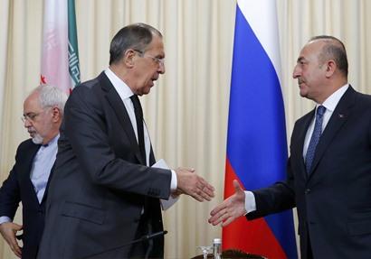 وزير الخارجية الروسي سيرجي لافروف ونظيره التركي مولود جاويش أوغلو،