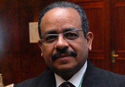 الدكتور أحمد عثمان رئيس مجلس إدارة المستشفيات الجامعية بالإسكندرية