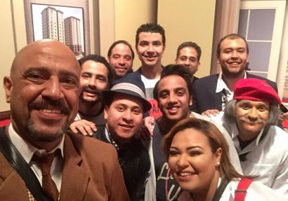 """نجوم مسرح مصر""""شركات المحمول باعت ارقمنا الخاصة مقابل رشاوى"""