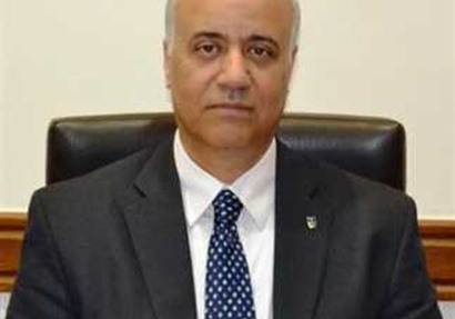د عصام الكردى رئيس الجامعة