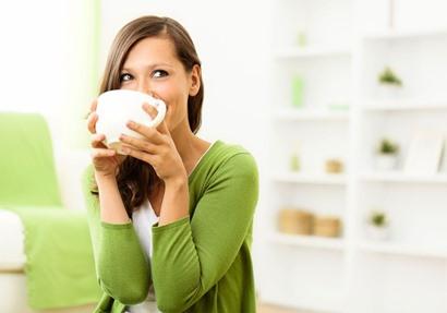 4 أسباب تجعل الشاي الأخضر أفضل صديق لكِ
