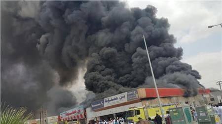 السيطرة على حريق داخل محل تجاري في إمبابة