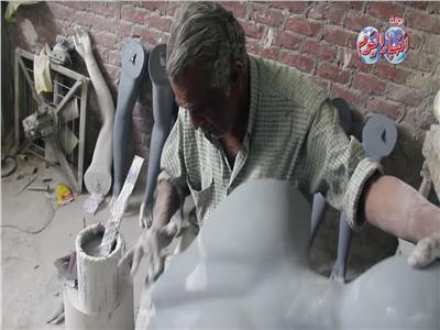 فيديو  قصة صناعة «المنيكان» من أوروبا للقليوبية