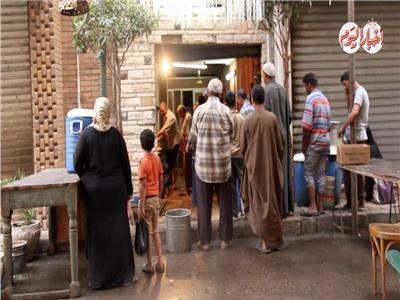 حكايات| «عم جميل».. قبطي يجمع شمل المسلمين لـ«وجه الله»
