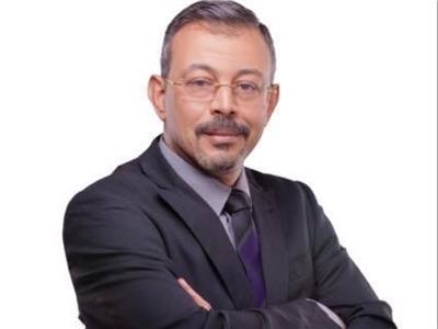وفاة والد الإعلامي عمرو الكحكي