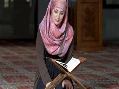 الإفتاء تجيب: «على من تجب زكاة فطر الزوجة؟»