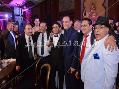 صور| مصطفى قمر وشيبة وبوسي نجوم زفاف نجل أحمد الفضالي