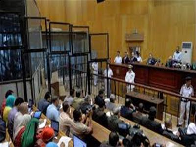 الخميس.. محاكمة 5 من الإخوان بتهمة حيازة مفرقعات