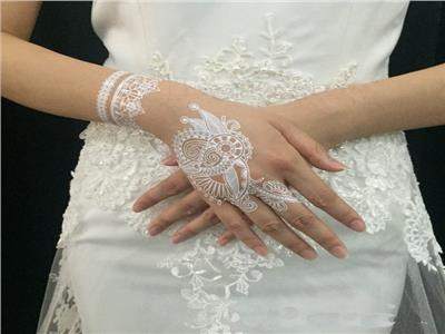 صور| «الحنة البيضاء».. موضة عروس 2018
