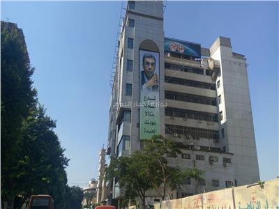 صور| شارع الصحافة يتلألأ بعودة ياسر رزق